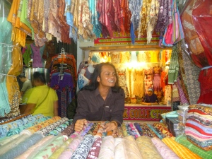 Chasse au batik avec Sukas