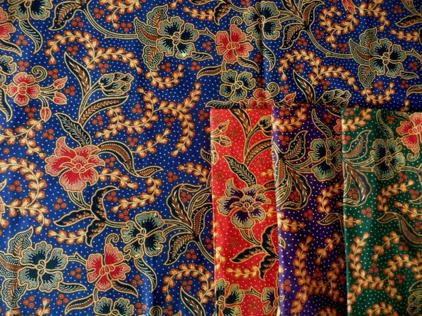 Tissu batik traditionnel AB-POINT